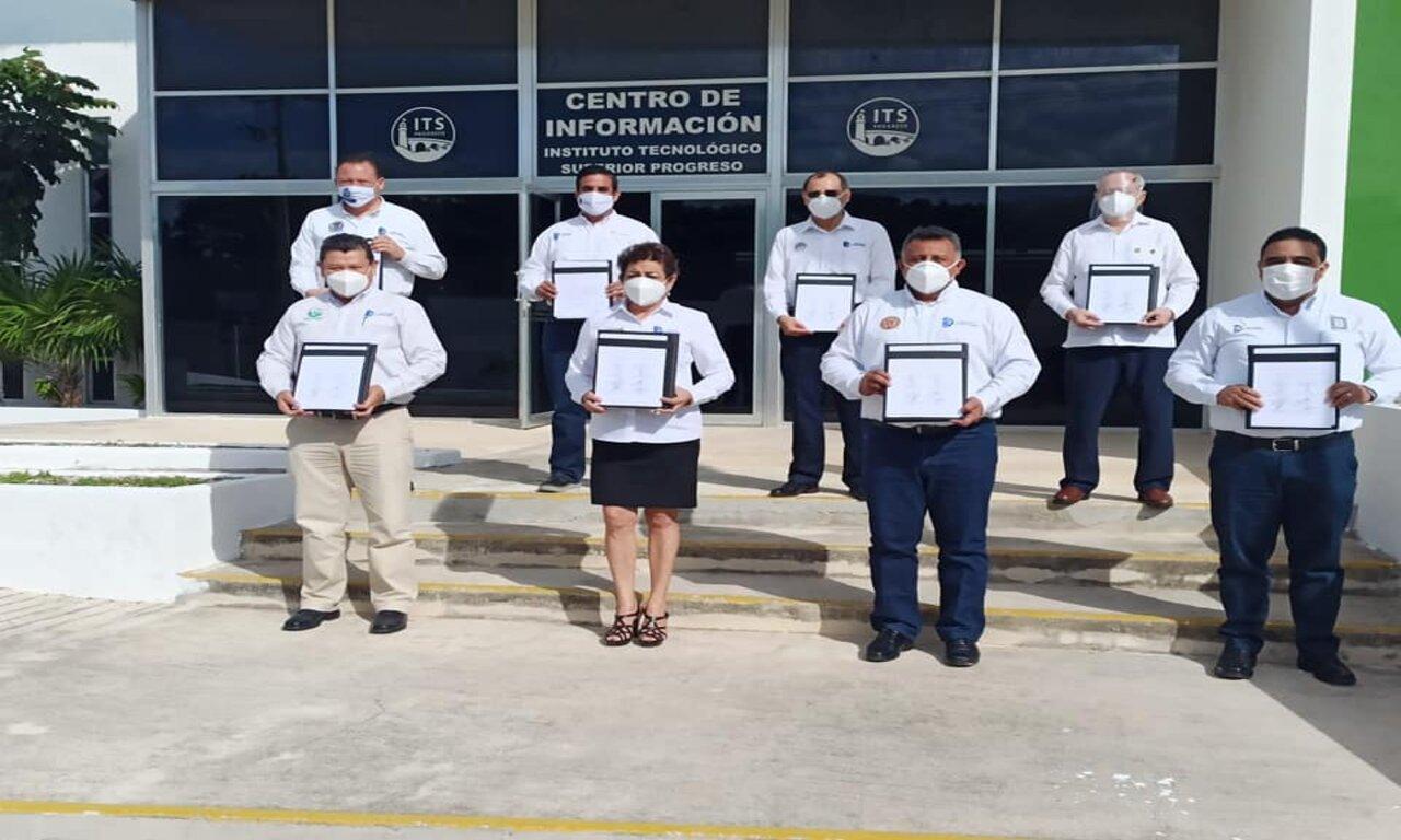 Firma de colaboración del Acuerdo por la Educación en Yucatán