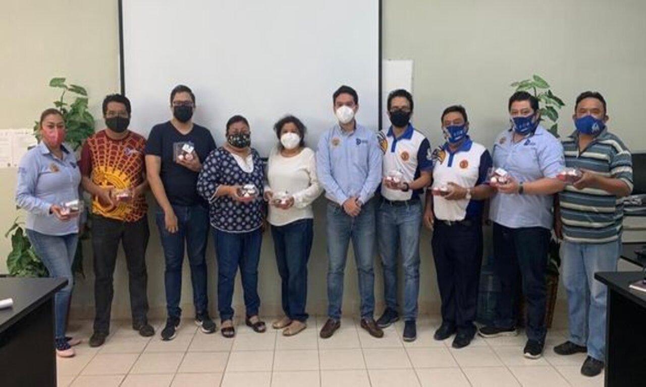 El Departamento de Recursos Humanos entregó un presente al personal del ITSVA