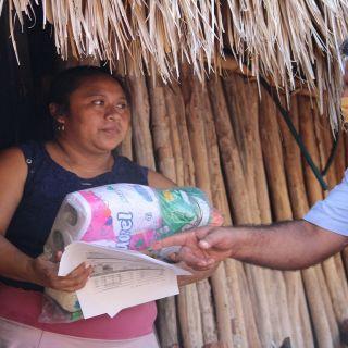 El ITSVA apoyó en la entrega de despensas.