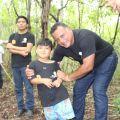 En recorrido por sendero niños aprenden el cuidado de la flora y la fauna