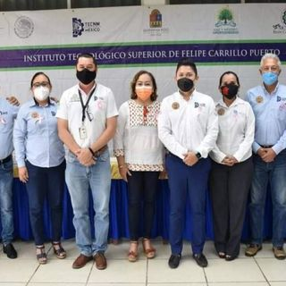 Firma de convenio en el arranque del Congreso Regional Universitario
