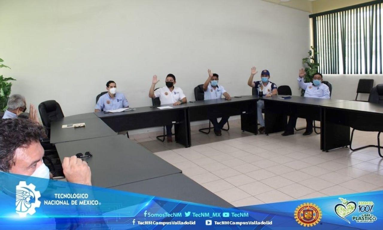 Firma del acta de instalación del Comité de Salud y Supervisión del Covid-19 en el ITSVA.